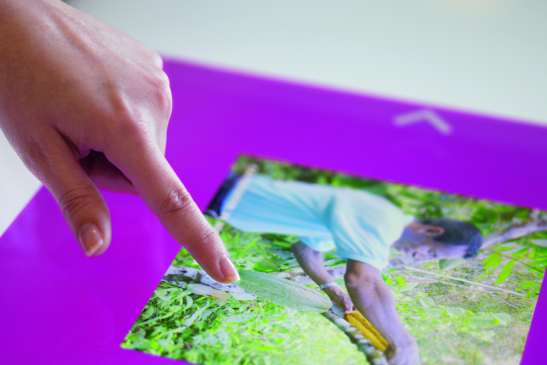 Schuler AG präsentiert auf einer Multi-Touch Powerwall Benutzeroberflächen für Show-, Informations- und Verkaufsbereiche.